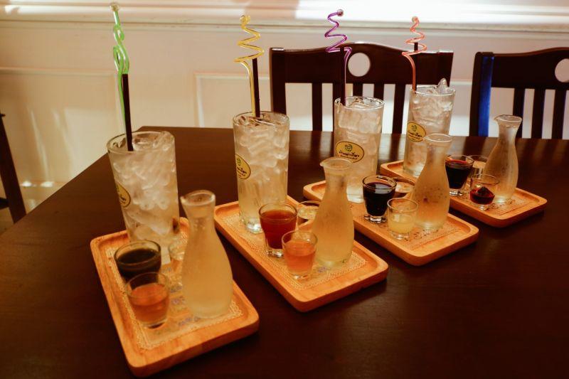 เครื่องดื่มสมุนไพรสีสวย อัญชันโซดา สามทหารเสือโซดา สามเกลอโซดา สามดอกไม้โซดา ที่ดื่มแล้วสดชื่นแล้วยังดีต่อสุขภาพ