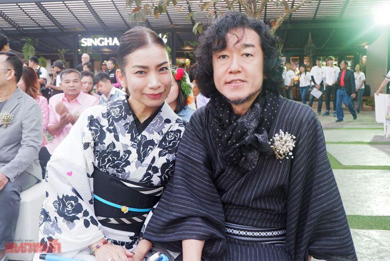 คู่รักชาวญี่ปุ่นที่มาร่วมกิจกรรม รักเราไม่เก่าเลย