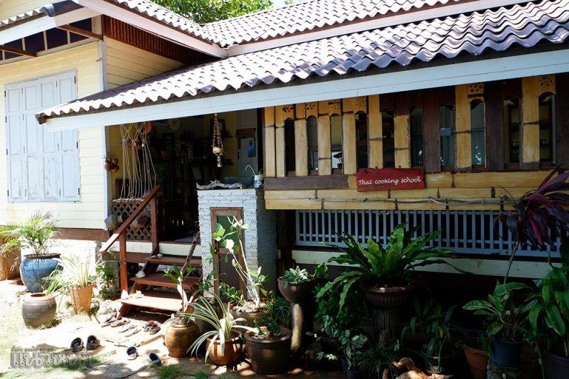 Thai Cooking School ได้เรียนทำอาหารพื้นถิ่นสุดสนุก โดยใช้วัตถุดิบโลคาร์บอน กินอร่อย เป็นมิตรกับธรรมชาติ