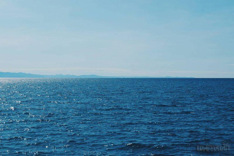 ทะเลสวย ฟ้าใส เหมาะกับวันสบายๆ ให้คุณได้เลือกท่องเที่ยวแบบรักษ์ธรรมชาติ