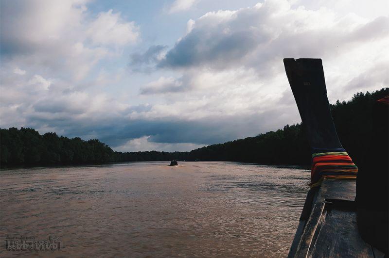 ล่องเรือโทงไปทำสปาดคลนธรรมชาติ