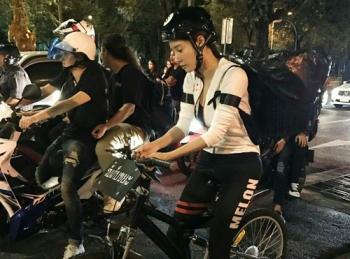 \'แตงโม นิดา\'อาสาทำความดี ปั่นจักรยานช่วยเก็บขยะรอบสนามหลวง