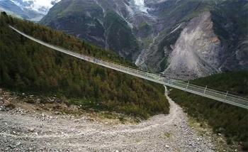 \'สวิส\'เปิดตัว\'สะพานแขวนคนข้าม\'ที่ยาวที่สุดในโลก (ชมคลิป)
