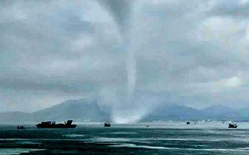 แชร์สนั่นพายุงวงช้างโผล่กลางทะเลเกาะเสม็ด