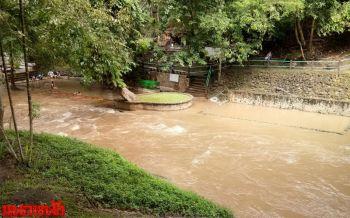 ฝนหนัก3วันติด  น้ำป่าทะลักท่วมบ่อน้ำพุร้อนชื่อดังเมืองกาญจน์