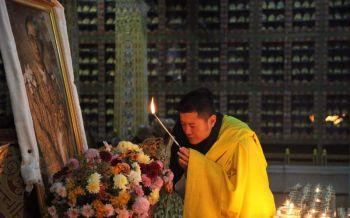 \'กษัตริย์จิกมี\'โปรดเกล้าฯจัดพิธีสวดถวายรัชกาลที่ 9 ในภูฏาน
