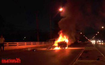 ระทึกรถซาเล้งไฟลุกท่วมกลางถนน พ่อแม่ลูกโดดหนีตายเจ็บทั้งครอบครัว