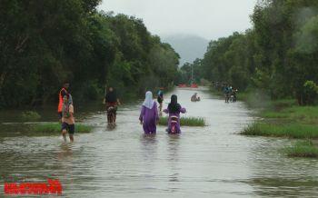 นราธิวาสน้ำท่วมเริ่มลดลง ฝนหยุดตกชลประทานเร่งระบายน้ำ