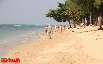 ผู้ประกอบการหาดจอมเทียน เผยนทท.ต่างชาติไม่ปลื้มห้ามสูบบุหรี่ริมหาด