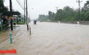 7จังหวัดใต้ยังจมบาดาล 9แสนคนเดือดร้อน-หน่วยงานเร่งระบายน้ำ