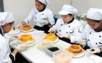 อุดหนุนเค้กปีใหม่ฝีมือนศ.อาชีวะอุดรฯ ถูกดีอร่อยเสริมรายได้ระหว่างเรียน