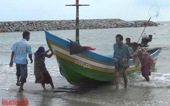 ชาวประมงเริ่มออกเรือหาปลาเลี้ยงชีพ อุตุฯเตือน8-10ม.ค.คลื่นลมแรง