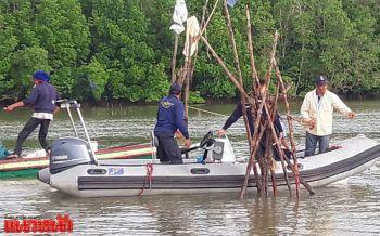 จนท.ออกลาดตะเวนชายฝั่งอ่าวไทยพบชาวบ้านลอบวาง\'โพงพาง\'ดักปลา
