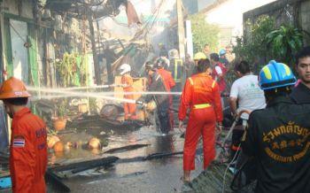 เพลิงไหม้ชุมชนซอยตากสิน23 วอดห้องแถวกว่า100คูหา