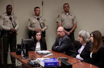 สามี-ภรรยาแคลิฟอร์เนีย  ปฏิเสธข้อหาทรมาน-กักขังลูก 13 คน