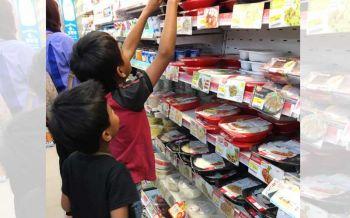 สังคมน่าอยู่! น้ำใจเล็กๆจากหญิงสาวถึง2เด็กชาย..ที่ทำน้ำตาคลอทั้งโซเชียล