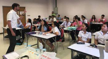 สพฐ. จับมือ มรภ.สงขลา เปิดเพิ่มค่ายภาษาอังกฤษ  ดึงครู 6 จังหวัดใต้เพิ่มทักษะสื่อสาร ผ่านกิจกรรมเรียนรู้ร่วมกัน