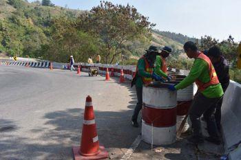 เพชรบูรณ์เพิ่มมาตรการป้องกันอุบัติเหตุ \'ตั้งราวกัน-ติดกล้อง\'ทางหลวงถนนหมายเลข2331