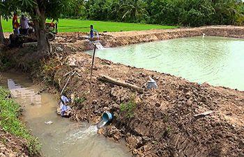 เกษตรฯสั่งหาทางนำยางใช้ปูพื้นสระบ่อน้ำ จี้กรมชลฯหาแหล่งน้ำมาเติมช่วยแก้ภัยแล้ง