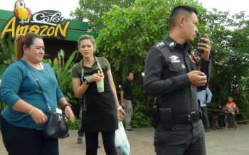 เจ้าของร้านกาแฟอเมซอนบ่อวินผวา เจอปืนทิ้งถังขยะข้างร้าน