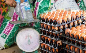 'ขยะแลกไข่'!ไอเดียสุดบรรเจิดแก้ขยะล้น เพิ่มมูลค่าผลิตภัณฑ์ชุมชน