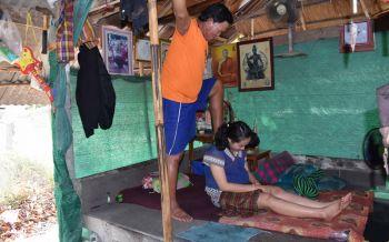 หมอจ่อยนวดเท้าไฟ รักษาคนไข้ปวดเมื่อยหายปลิดทิ้งมานานกว่า34ปี
