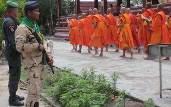 ยะลาเข้มความปลอดภัย!ชาวไทยพุทธเวียนเทียนตอนกลางวันมาฆบูชา