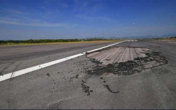 ผู้บริหารว่าไง! ชาวบ้านแฉสนามบินกระบี่แตกร้าว ทำไมไม่รีบซ่อม