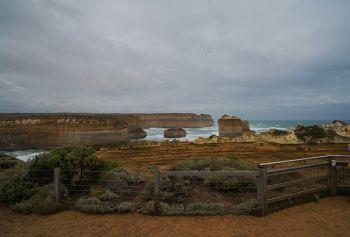 \'ขี่รถข้ามจักรวาล\' Great Ocean Road, Australia