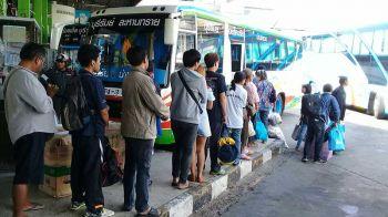 สถานีขนส่งบุรีรัมย์คนเริ่มแน่นแห่กลับเที่ยวสงกรานต์