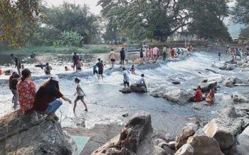 2หมู่บ้านร่วมใจพัฒนา\'ฝายแม่ถัน\'  เปิดเป็นแหล่งเที่ยววิถีชุมชน\'ล่องเรือ-นั่งแคร่-แช่น้ำดูโขดหิน\'