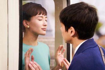 เจาะฉากหวาน \'จูบ\'ผ่านกระจกใน Tonight, at Romance Theater  \'ฮารุกะ อายาเสะ\'ร้องไห้จริงเพราะรักแต่สัมผัสไม่ได้