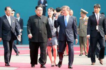 ชื่นมื่น! สองผู้นำเกาหลีประชุมช่วงเช้าเสร็จสิ้น รักษาความปลอดภัยเข้มทุกฝีก้าว (ประมวลภาพ)