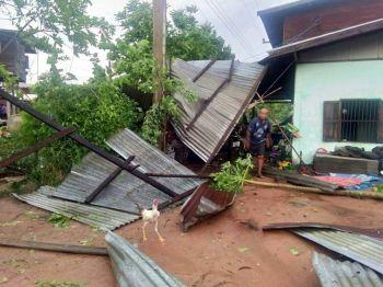 พายุฤดูร้อนถล่มหลายจว. บ้านเรือน-ถนนเสียหายยับ