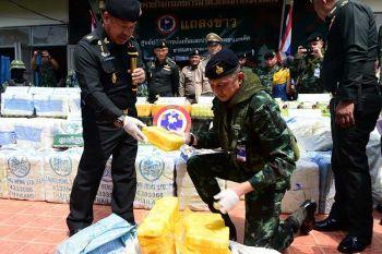 เอเย่นต์ยาบ้าแหกด่าน  ทหารยึดได้8ล้านเม็ด  แม่ทัพ 3-ผู้ว่าฯรุดตรวจ