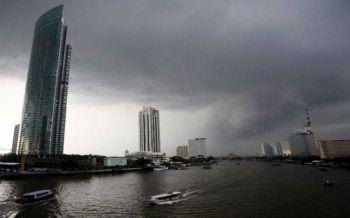 อุตุฯเตือนอันตรายฝนสะสม ไทยยังตกหนักบางแห่ง กทม.ร้อยละ40