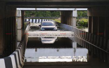 ชาวบ้านโวย! ทางลอดกลับรถใต้สะพานน้ำท่วมขังสูงกว่า30ซ.ม.ทั้งปีวอนเร่งแก้ไข