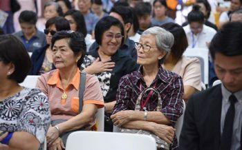 อึ้ง! สถิติคนแก่ลื่นล้มวันละ3คน สสส.จับมือจุฬาฯ เปิดศูนย์รองรับสังคมสูงวัย