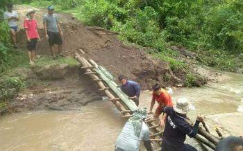 เร่งซ่อมสะพานขาด ลำเลียงอาหารช่วยด่วนนร.'อมก๋อย'