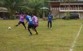 อ.สุไหงปาดีจัดกิจกรรมฟุตบอลเยาวชนสัมพันธ์ต้อนรับวันฮารีรายอ