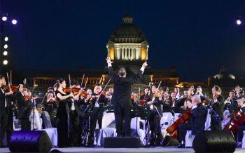 ในหลวงโปรดเกล้าฯ จัดแสดงดนตรี ณ พระลานพระราชวังดุสิต (ประมวลภาพ)