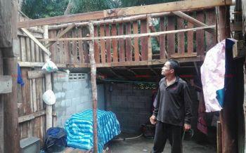 เปิดคลิปพายุคลั่งพัดถล่มสวนยางพารา-บ้านเรือนปชช.พังยับ