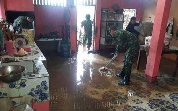 ฝนถล่มหนักที่น่าน น้ำป่าไหลหลากท่วมบ้านเรือนเสียหายยับ