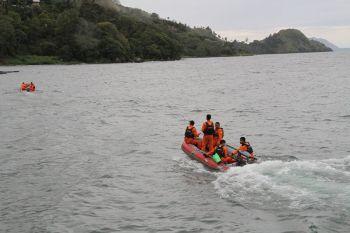 ยังไม่รู้ชะตากรรมอีกกว่า200ชีวิต เรือโดยสาร\'อินโดฯ\'ล่มในทะเลสาบ
