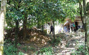 ทหารพรานปะทะเดือดโจรใต้ แฝงตัวเยี่ยมเมียยิงสู้หนีตายขึ้นเขา