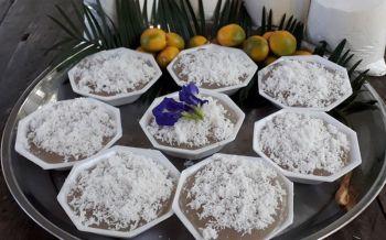ชาวบ้านสุโขทัยลุยป่าเก็บ\'ลูกปรง\'ทำขนมไทยโบราณหากินยาก