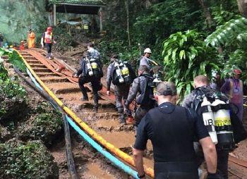 \'ออสเตรเลีย\'ส่งผู้เชี่ยวชาญมาเพิ่มอีก3คน ร่วมช่วย13ชีวิตออกจากถ้ำหลวง