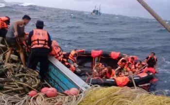 \'ประวิตร\'สั่งทุกเหล่าทัพระดมทรัพยากร หนุนกู้ภัยค้นหาผู้สูญหายเหตุเรือล่มภูเก็ต