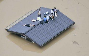 \'ญี่ปุ่น\'อ่วม\'น้ำท่วม\'รุนแรงสุดในรอบ14ปี  ตายทะลุ100ราย-บ้านจมบาดาลกว่า2แสนแห่ง
