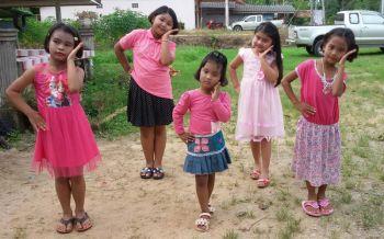 ชื่นชม! ครอบครัวคณะกลองยาวกระบี่เปิดสอนเด็กในหมู่บ้านฟรี หวังช่วยอนุรักษ์ศิลปะท้องถิ่น